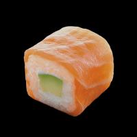 salmon-roll-avocado